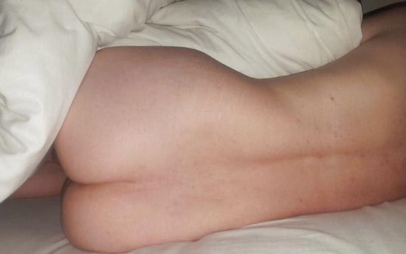 Söker efter män som gillar nakenhet på ett djupare plan